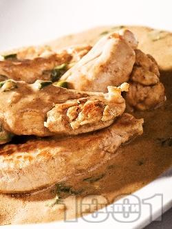 Задушени пилешки бонфиленца (бон филета) в сос от бяло вино и ананас - снимка на рецептата